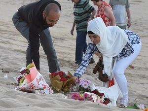 Fraser Coast hosts Sydney siege memorial at beach