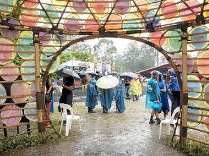Folk flock to see Woodford festival