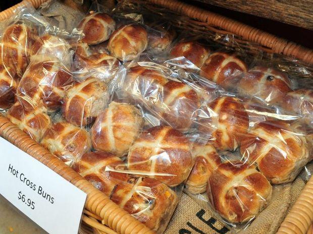 Hot Cross Buns Geoff Potter / Noosa News