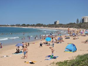 Shark sighting forces the evacuation of Mooloolaba Beach
