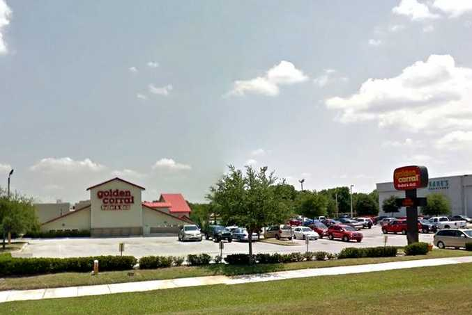 Police were called to the car park of the Golden Corral restaurant in Lakeland Florida