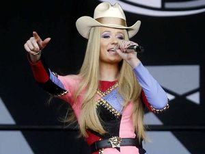 Iggy Azalea's stiff jaw blues