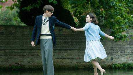 Eddie Redmayne and Felicity Jones play Stephen Hawking and Jane Wilde in The Theory of Everything.