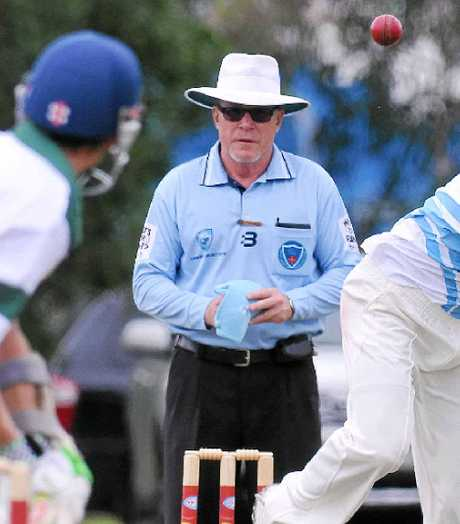 IN CHARGE: Maclean's Rob Pye oversaw the Country Shield semi-final match between Tamworth Colts and Robertson Burrawang. PHOTO: GARETH GARDNER/NORTHERN DAILY LEADER