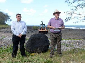 Mon Repos boulder begins journey to Hinkler crash site