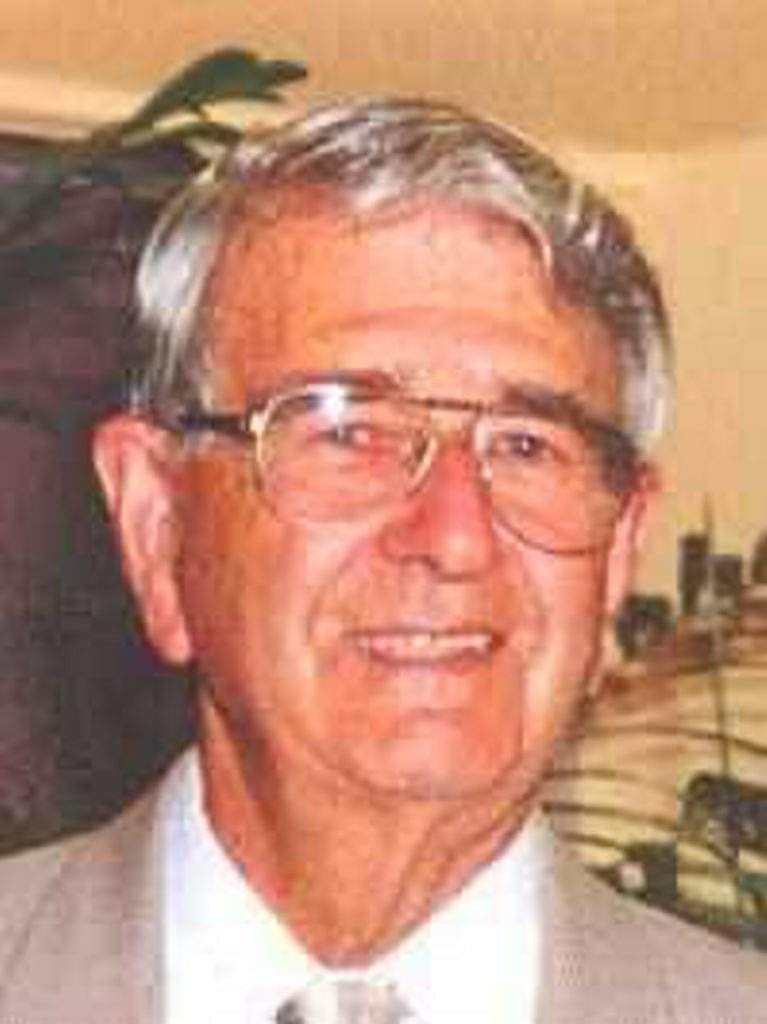 Former Coffs Harbour City Council Mayor John Smith passed away on Wednesday.