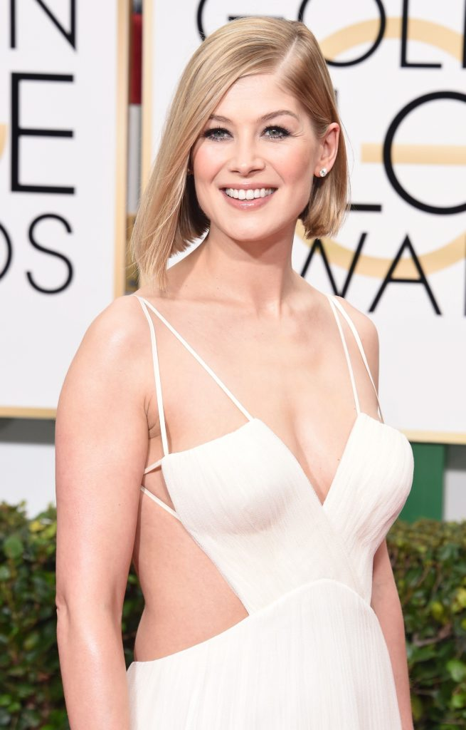 Actress Rosamund Pike arrives for the 72nd Annual Golden Globe Awards at the Beverly Hilton Hotel.