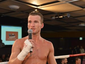 Broken foot ko's Sherrington's London fight plans