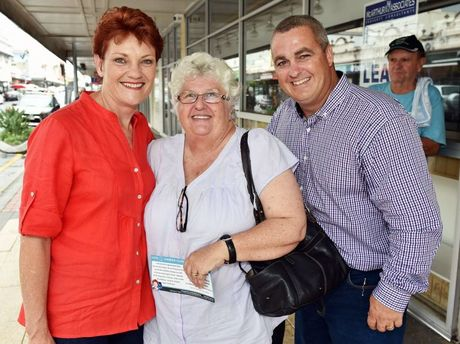 One Nation's Pauline Hanson walked Maryborough's streets with her candidate Damian Huxham and posed for a photo with Wendy Burns.