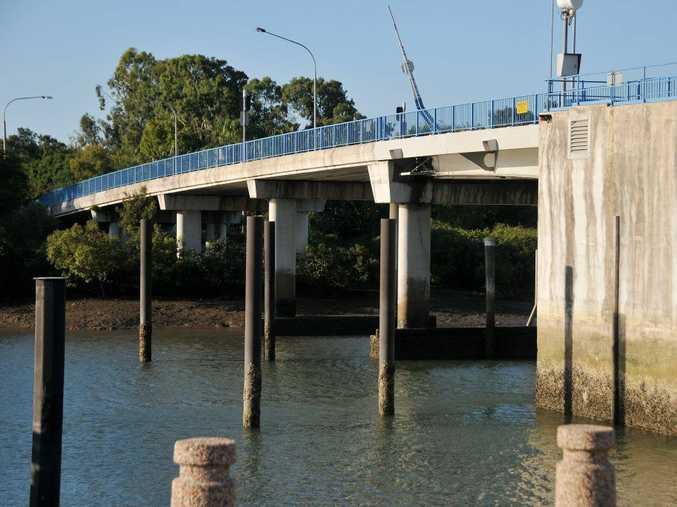 The Matthew Flinders Bridge is closed to all marine traffic until further notice.