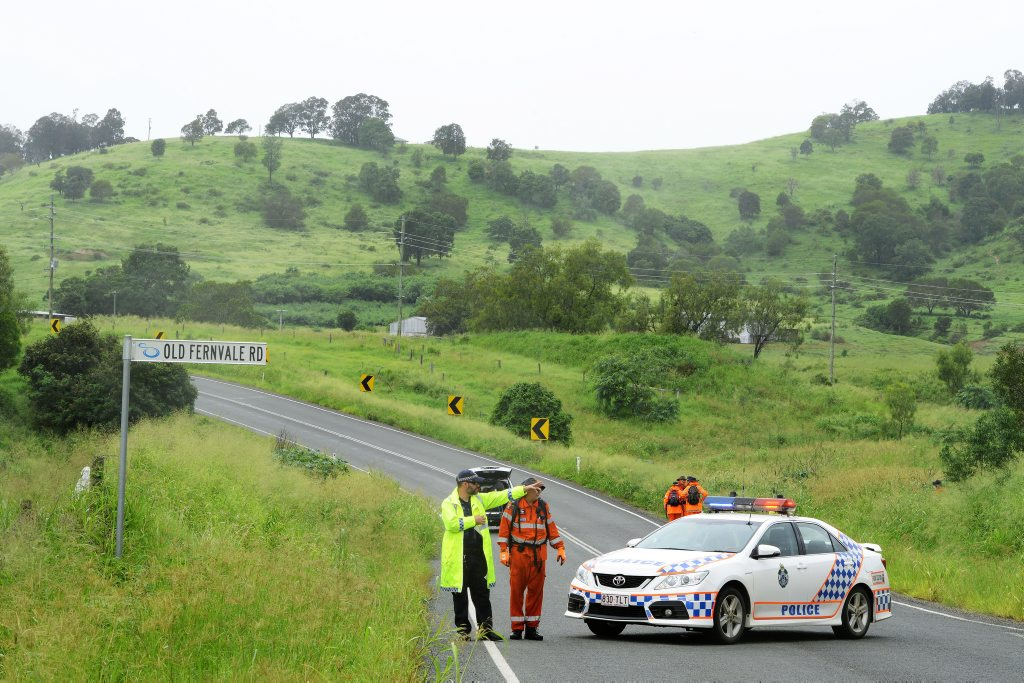 SES crews search long grass on Lowood - Fernvale Road at Lowood
