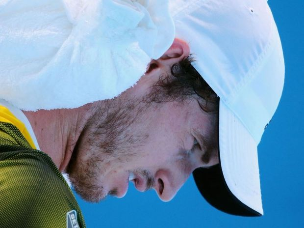 Andy Murray trying to cool down with an ice pack during his match against Joao Sousa at the 2013 Australian Open