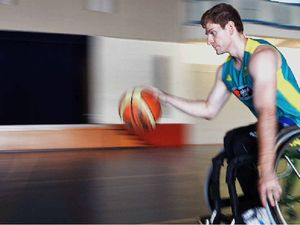 Basketballer dreams of green and gold for 2015
