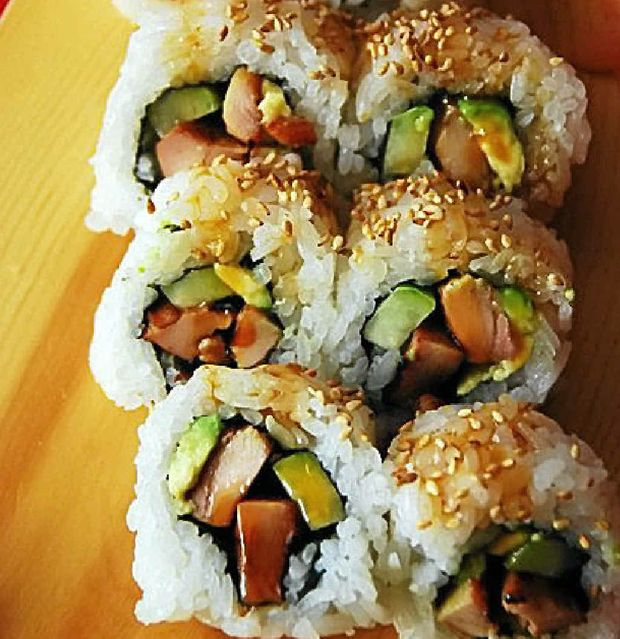Barbecue chicken sushi brings flair to lunchbox flavour.