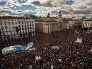 Huge crowds rally in Madrid to support Spanish leftist party