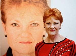 Man forced to move plane seats for Pauline Hanson