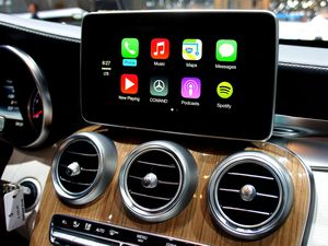 Apple, Pioneer team up for safer driving experience