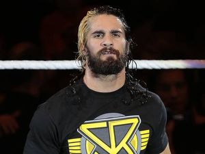 WWE wrestler Seth Rollins sorry for naked pic tweets