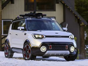 Kia Soul-based Trail'ster e-AWD concept gets hard-edge style