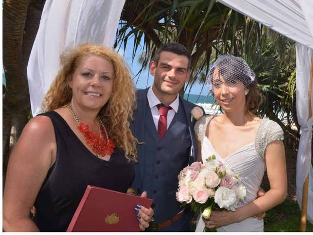 SIMPLE CEREMONY Celebrant Lynette Maguire With Newlyweds Tristan Lowe And Selene Trevino Medina Opted For
