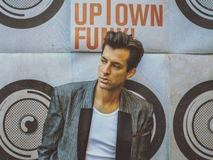 'Uptown Funk' one of the fastest selling singles of all time