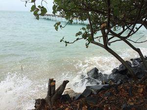 WATCH: King tide hits Hervey Bay beaches on Thursday