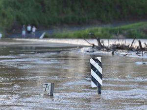 Lamington Bridge closed while council remove rails for flood