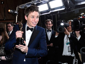Eddie Redmayne thanks Neighbours actors for his Oscars win