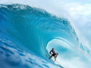 Mate against mate: Lennox surfers face off in Quiksilver Pro