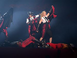 Giorgio Armani says Madonna is 'very difficult'