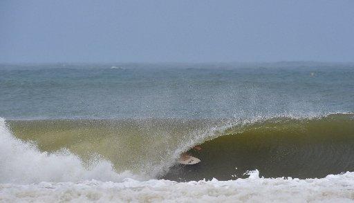Rolling waves Photo: Brett Wortman / Sunshine Coast Daily