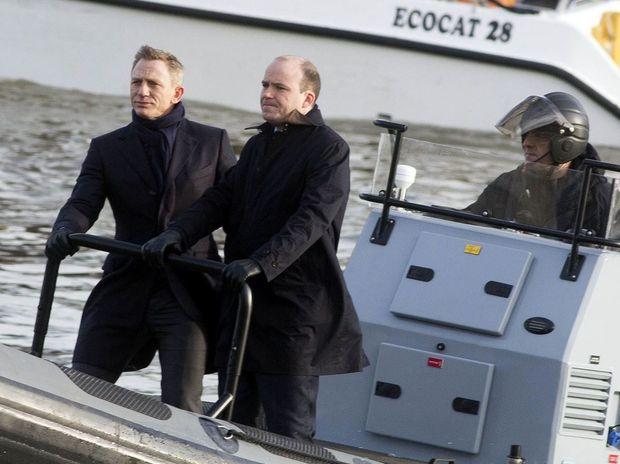 Daniel Craig and Rory Kinnear film Spectre in London
