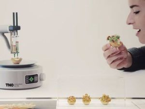 This woman wants to make 3D printed food