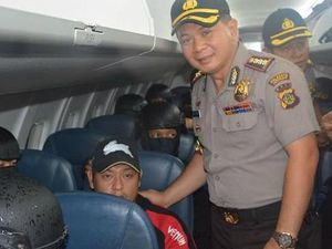 Police chief denies 'selfie moment' with Bali Nine duo