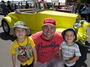 Hot rods a hit with crowds