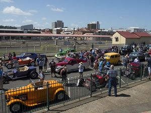 Hot rods show and shine
