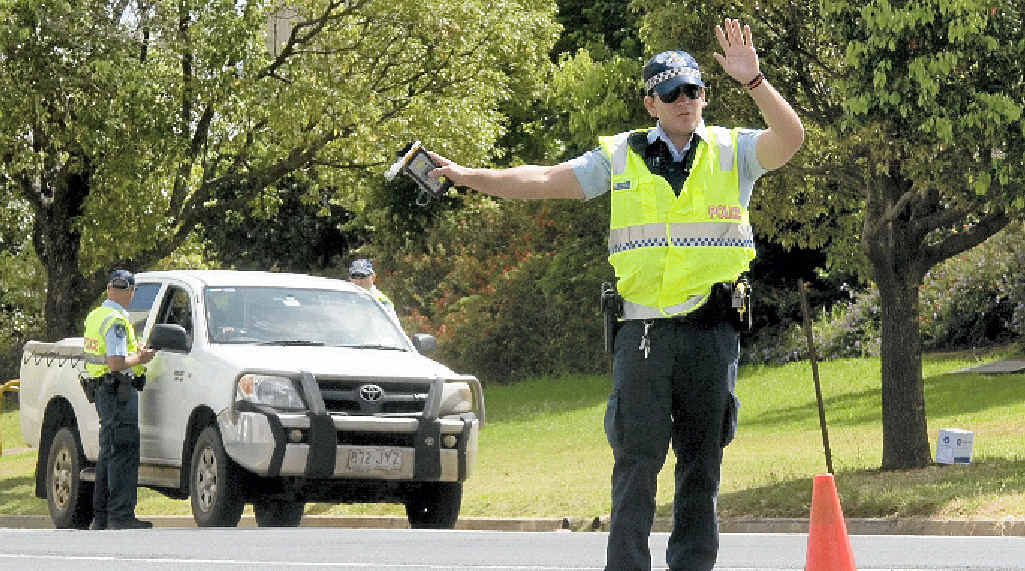 Police caught 18 drink drivers over the weekend and issues 400 infringement notices.