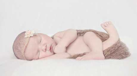 Natasha Fee and Todd Rutherford welcomed Kasey Jaye Rutherford on November 22, 2014, born on her due date at Gladstone Hospital, weighing 8lb 8oz. Kasey is a sister to Reilly.