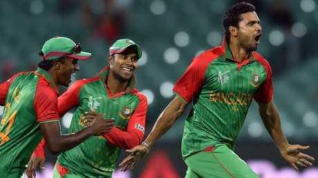 Mashrafe Mortaza celebrates the wicket of Joe Root