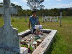 Mum's grave wrecked; daughter heartbroken