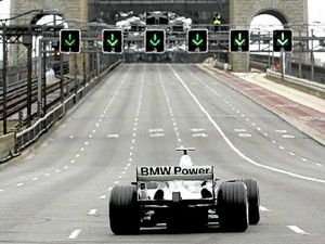 Baird tries to steal F1 GP from southern neighbours