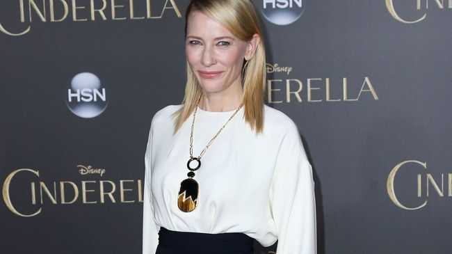 Cate Blanchett isn't a fan of the photo sharing app Instagram or other types of social media.