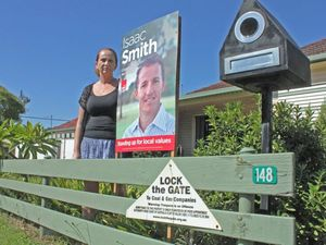 Fake council letter tells Smith to ditch campaign sign