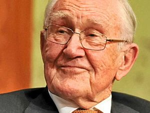 Parliament praises the legacy of Malcolm Fraser