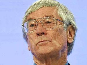 Dick Smith launches campaign to clear Assange