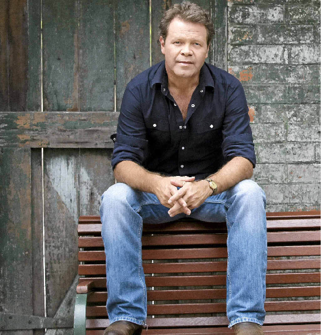 Singer Troy Cassar-Daley. Image supplied by Deb Edwards Publicity.