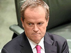 Pressure on Shorten to back China free trade deal