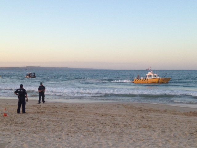 Recovery of plane wreckage Noosa Main Beach