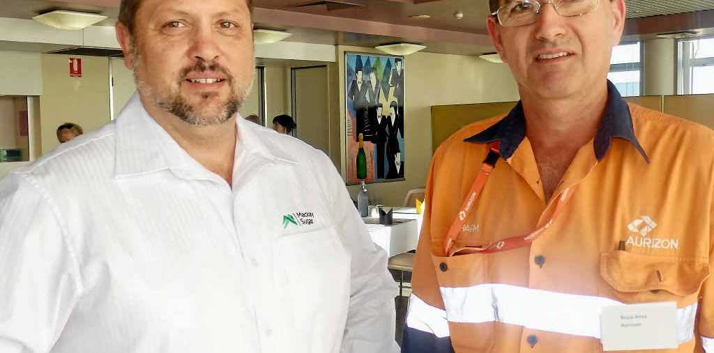 INFORMATION SHARING: Rod Francisco (Mackay Sugar) and Bruce Ames (Aurizon) at the inaugural 'RPL on the Run' event hosted by CQUniversity.