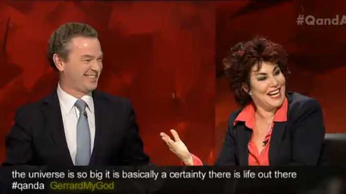 Education Minister Christopher Pyne with American comedian Ruby Wax, who said she would have the Minister's baby if they end up on a distant planet together.